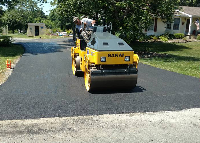 Asphalt paving provides durable, high quality asphalt driveways.